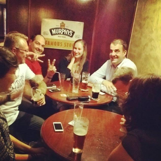 Boire de la Murphy's Irish Stout au Murphy's à Mulhouse